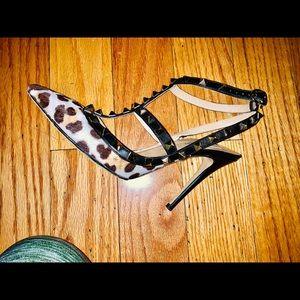 Valentino rockstuds in mohair leopard print